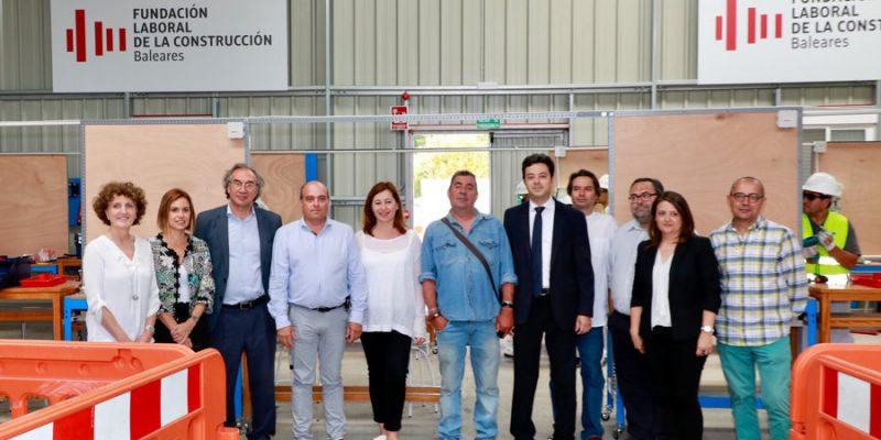 Autoridades y representantes de Patronales y Sindicatos en la presentación de la Formación Profesional de la Construcción en Baleares